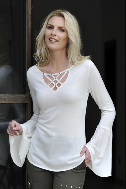PULL LONG CHIC TRICOT BLANC ET LACAGE MODE HIVER RANCH